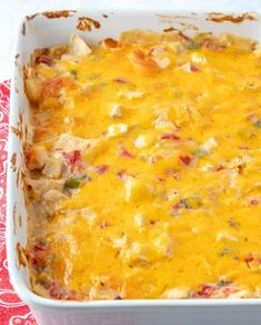 This King Ranch Chicken Casserole is a combo of chopped chicken, cheese, tortillas, and spicy tomatoes in a creamy sauce, and is a sure-fire hit. Yummy Chicken Recipes, Mexican Food Recipes, Beef Recipes, Family Recipes, Easy Recipes, Recipies, King Ranch Chicken Casserole, My Favorite Food, Favorite Recipes