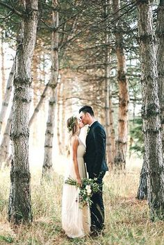 outdoor forest wedding photo ideas 3
