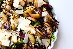 Kender du det, hvor salaten blot bliver en kedelig sammensætning af de traditionelle ingredienser: salat, agurk, gulerod og majs? Nogle gange rækker kreativiteten ikke længere end det… Salater kan virkelig være kedelige, men salater kan virkelig også være spændende! ...