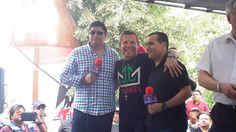 Fanáticos enloquecen ante presencia de Julio César Chávez en el Pesaje Oficial