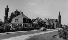 Koninginnelaan richting Ger. Kerk 1970
