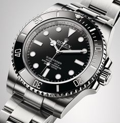 Rolex Submariner in 904L steel with a black dial and a black Cerachrom bezel in ceramic. The original divers' watch since 1953.