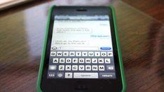 Vous utilisez iMessage pour communiquer gratuitement avec vos amis à l'étranger ? Vous avez bien raison. Mais attention, il y a un piège ! Lisez bien cette astuce pour ne pas vous faire facturer vos messages à la fin du mois.  Découvrez l'astuce ici : http://www.comment-economiser.fr/imessage-payant-etranger.html?utm_content=bufferddc33&utm_medium=social&utm_source=pinterest.com&utm_campaign=buffer