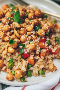 Sweet & Sour Cashew and Chickpea Fried Rice [Vegan] - One Green Planet Vegetarian Rice Recipes, Cashew Recipes, Veggie Recipes, Asian Recipes, Whole Food Recipes, Cooking Recipes, Healthy Recipes, Vegan Chickpea Recipes, Rice Recipes For Dinner