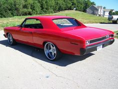 1966 Chevrolet Chevelle on very nice wheels. Kenesis K59 custom built for this car. 20×11 rears with 325/25/20 Pirelli Nero Zero run flat tires. 19×8.5 fronts with 245/35/19 5 star spoke brushed