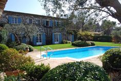 This lovely house stands in beautifully landscaped gardens designed by Jean Mus. It also offers excellent privacy and superb moutain views close to the Medieval village of Valbonne.