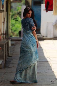 Indigo HBP Khadi Cotton Saree Elegant Indian Saree Press VISIT link above for more options Indigo Saree, Khadi Saree, Indigo Dress, Indian Photoshoot, Saree Photoshoot, Cotton Saree Blouse Designs, Casual Indian Fashion, Saree Poses, Saree Trends