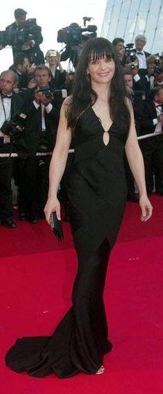 Juliette Binoche: 2002 Juliette Binoche, Lbd, Stylish, Black, Dresses, Fashion, Vestidos, Moda, Black People