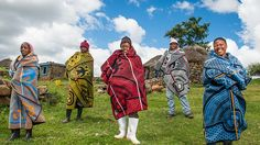 The Aranda basotho blanket has a deep cultural significance and history. What makes the Basotho blankets unique is the layout of the design, the various symbols used, the bold colour combinations and the characteristic pin-stripe. African Inspired Fashion, African Fashion, African Wear, African Beauty, Afro Punk Fashion, Men Fashion, Anthropologie, Out Of Africa, Africa Art
