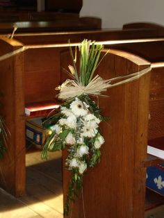 flowers bouquets Church Wedding Pew Decorations, country wedding pictures #2014 #ideas #Easter #Craft #food #home decor