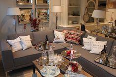 Stylowy salon w Sweet Living #kanapy #lawy #stoliki #kafarki #szklanki #kryształy #poduszki #patery #etażerki #świeczniki #lampy #styl #design #markowedodatki