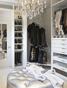 walk-in closet. Omg amazing =)