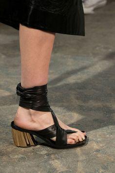 Proenza Schouler at New York Fashion Week Fall 2017 - Details Runway Photos