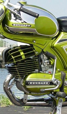 Great old Zündapp bikes, good stuff in my youth. After the company collaps in 1984 sold to China completly. A sad moment for the german motorcycle industry. Motorbike Parts, Bobber Motorcycle, Motorcycle Design, Motorcycle Gloves, Vintage Motorcycles, Cars And Motorcycles, Scooters, Model Auto, Motorcycle Manufacturers