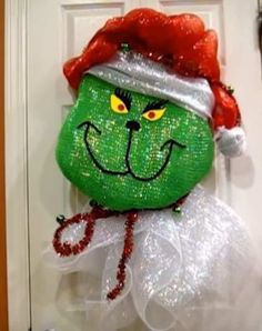 In this video tutorial you will learn how to make a Deco Mesh Grinch Wreath. We all have a grinch or 2 that we know and love so make them one of these. Diy Christmas Ribbon, Grinch Christmas Decorations, Grinch Christmas Tree, Christmas Tree Garland, Christmas Mesh Wreaths, Diy Christmas Ornaments, Christmas Projects, Christmas Ideas, Halloween Wreaths