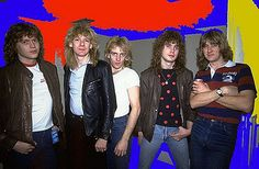 Def Leppard-Such a great photo of the guys Music Love, Rock Music, Great Bands, Cool Bands, Best Heavy Metal Bands, Steve Clarke, Rock Star Hair, Phil Collen, Rick Savage