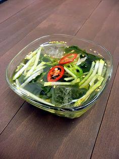 Korean Food Recipe: Cold cucumber soup/ Oyi neang guk (오이냉국)