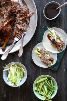 Crispy duck eller Pekingand er en super rett som passer for hele familien. Anden stekes i ovnen og litt tilbehør må forberedes, men alt i alt enkelt å lage!