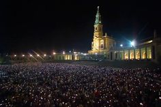 Portugal - Fátima - Sanctary of Our Lady of the Rosary. 13th May celebrates the events that took place in 1917. Millions of pilgrims arrive at Fatima to take part in  the religious celebrations.