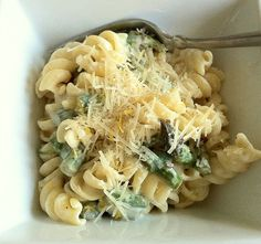 Recipe: Pasta and Asparagus with Creamy Lemon Garlic Sauce