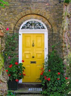 Trendy Exterior Colors for the Home: Yellow Exterior ~ pedantique.com Decoration Inspiration