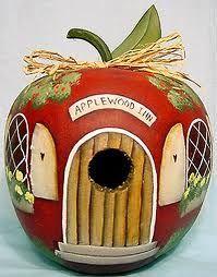 Applewood Inn: painted gourd birdhouse