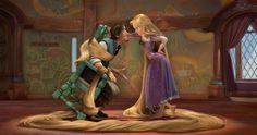 Walt Disney movie animation Tangled Rapunzel and Eugene Flynn Disney Rapunzel, Rapunzel Cartoon, Disney Pixar, Walt Disney, Tangled Movie, Tangled 2010, Rapunzel And Eugene, Disney Films, Animation Movies
