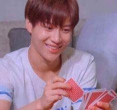 Meme Pictures, Reaction Pictures, Lee Taemin, Jonghyun, Meme Faces, Funny Faces, Shinee Albums, K Meme, Kpop Profiles
