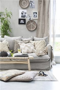 Cosy bedroom ideas: Rustic bedroom interior is perfect for a simple neutral look. Cosy Bedroom, Bedroom Wall, Bedroom Furniture, Bedroom Decor, Bedroom Ideas, Bedroom Rustic, Hygge, Diy Projects Room Decor, Linen Couch