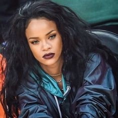 Image shared by LiveLoveLaugh. Find images and videos about makeup, rihanna and eyebrows on We Heart It - the app to get lost in what you love. Estilo Rihanna, Mode Rihanna, Rihanna Riri, Rihanna Style, Rihanna Baby, Rihanna Fashion, Bad Gal, Celebs, Celebrities