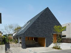 Suppose Design Office - House in Anjo, Aichi 2015. Photos © Toshiyuki Yano.