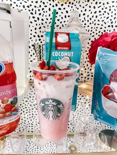 DIY Pink Drink Recipe Starbucks – Foods and Drinks Starbucks Diy, Healthy Starbucks Drinks, Secret Starbucks Drinks, Healthy Drinks, Starbucks Pink Drink Recipe, Homemade Starbucks Recipes, Starbucks Coffee, Starbucks Strawberry Acai Refresher, Low Calorie Drinks