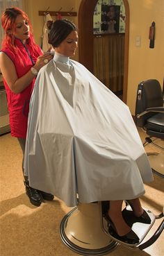 Explore capemaster.14's photos on Flickr. capemaster.14 has uploaded 4209 photos to Flickr. Clipper Cut, Salon Chairs, Barber Chair, Curlers, Beauty Shop, Barber Shop, Hairdresser, Haircuts, Fashion Editorials