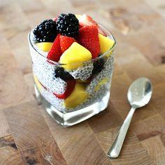 bonito: EAT: chia seed pudding with coconut milk and fresh fruit Mixed Fruit, Fresh Fruit, Coconut Chia Pudding, Coconut Milk, Almond Milk, Snack Recipes, Dessert Recipes, Desserts, Breakfast Cake