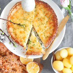 En klassisk västerbottenspaj är ett trevligt inslag på bufféer. Till påsk, kräftskivan eller midsommar - denna paj är lättlagad och god! Här finns receptet.