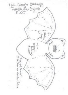 DIY: felt or fabric Bat. Halloween Quilts, Moldes Halloween, Adornos Halloween, Halloween Sewing, Manualidades Halloween, Fall Sewing, Halloween Doll, Halloween Bats, Holidays Halloween