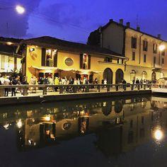 La notte in Darsena... #milanonavigli #milanodavedere #milano #labellamilano #notte #notteindarsena #ilovemycity #welovemilano #milanodarsena by nadia_pizzini