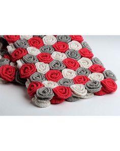 Bolso de crochet en rojo, gris y blanco | Panderetas.es