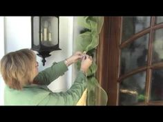 Decorating you front door how to