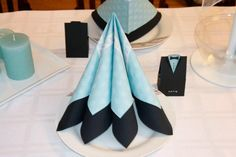 Tusen Ting: Pynte til konfirmasjon for en gutt. Napkin Folding, Summer Pictures, Napkin Rings, Flower Arrangements, Diy And Crafts, Napkins, Table Decorations, Creative, Inspiration