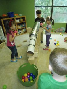 Balls & large tubes in block center creates STEM learning for Pre-K & Kindergarten (via marvelously-made preschool) Preschool Science, Preschool Classroom, Classroom Activities, Preschool Activities, Reggio Emilia, Play Based Learning, Learning Centers, Early Learning, Block Center Preschool