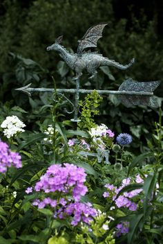 This is adorable. Would be perfect in an apothecary garden filled with ancient herbs. Dragon Weather Vane