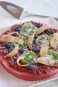 Watermelon Pizza – The Naked Kitchen Watermelon Dessert, Watermelon Pizza, Fruit, Raw Vegan Recipes, Vegan Foods, Healthy Recipes, Paleo Treats, Healthy Snacks, Outdoor Food