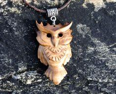 Wooden owl pendant (Updated version) - Juli