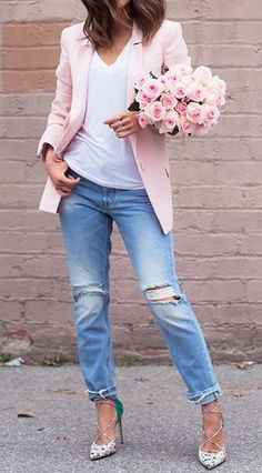Great looks with boyfriend jeans, from very chick and sophisticated to urban elegant or casual. Also ideas how to add accessories to boyfriend jeans.