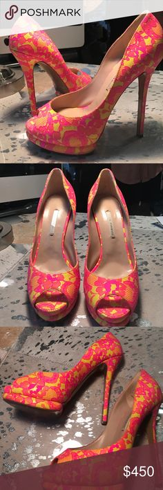 Nicholas Kirkwood Neon Lace Peep Toe Sz 38.5 Like new, worn once. These shoes show no sign of wear or discoloration. Fit true to size. Paid $850 + tax. Nicholas Kirkwood Shoes Heels