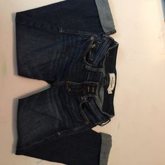 Girls Abercrombie Capri Jeans Girls Abercrombie Capri Jeans, great condition , size 10 cute stretch Abercrombie & Fitch Shorts