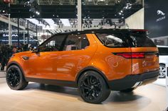 Jaguar Land Rover has shown off their new Land Rover Discovery Vision Concept at this years Beijing Auto Show, it is designed to showcase the 'modern design language of the future Discovery family'. Beijing, Land Rover Discovery 5, Landrover Range Rover, Discovery Family, Discovery 2017, Sport Suv, Ford Explorer, Explorer Sport, Jeep Truck