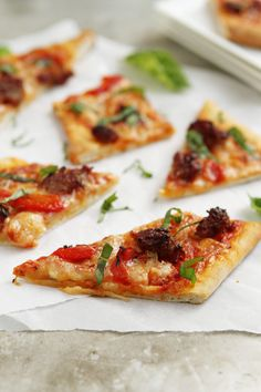 Grilled Pizza from @Jamie {My Baking Addiction} - I want to eat this for every meal.