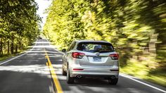 Кроссовер Buick Envision 2017 / Бьюик Энвижн 2017 – вид сзади Buick Envision